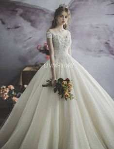 Evening Dresses - Long and Short Dresses Western Wedding Dresses, Dream Wedding Dresses, Bridal Dresses, Wedding Gowns, Amazing Wedding Dress, Elegant Wedding Dress, Crazy Dresses, Nice Dresses, Short Dresses