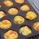 Farandole of mini quiches for aperitif - Brunch Mini Quiches, Mini Frittata, Mini Quiche Sans Pate, Tapas, Quiche Muffins, Curry Ingredients, Mini Tortillas, Omelette, Happy Hour