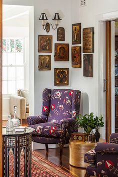 Highgate House Interiors - Living Room details, Art collection display