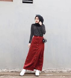 The Effective Pictures We Offer You About fashionista style drawing A qualit… – Hijab Fashion 2020 Hijab Casual, Hijab Fashion Casual, Stylish Hijab, Street Hijab Fashion, Muslim Fashion, Ootd Fashion, Fashion 2020, Korean Fashion, Hijab Chic