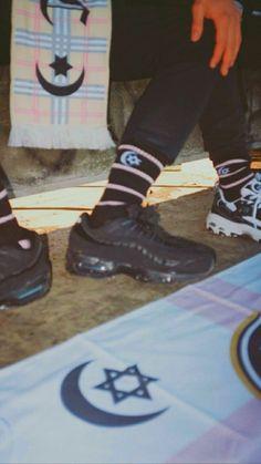 Air Max Sneakers, High Top Sneakers, Sneakers Nike, Rawr Xd, Baddies, Tatoos, Nike Air Max, Wallpapers, Mafia