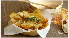 Pommes de terre en chips rôties au thym et gros sel : la recette facile
