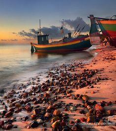 Beach, sea and beautiful sunrise. Perfect morning! / Plaża, morze i piękny wschód słońca. Wymarzony poranek!