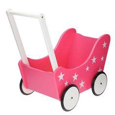 Super zoete, roze, houten poppenwagen versiert met witte sterretjes. De witte duwstang is 34 cm hoog. Met deze prachtige poppenwagen heeft je kindje nog jaren plezier. Met deze wagen kun je prima binnen én buiten spelen.