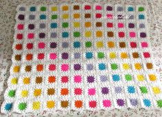 Great idea for a granny square crochet blanket - it's like looking at a paint palette. Afghan Crochet Patterns, Crochet Squares, Crochet Motif, Crochet Granny, Granny Squares, Crochet Home, Love Crochet, Crochet Crafts, Crochet Projects