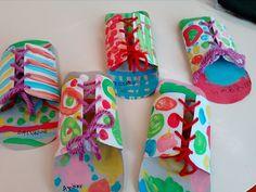 carnaval 2017- sapatos de palhaço Preschool Circus, Circus Activities, Circus Crafts, Carnival Crafts, Preschool Crafts, Toddler Activities, Circus Game, Circus Theme Party, Diy And Crafts
