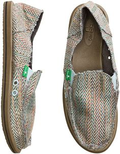 Favorite comfy, lightweight, easy to pack, slip-ons for hopping around  airports · Chaussures De FemmesChaussures ...