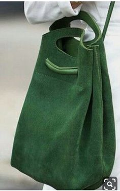 Green leather bag, F&I Green Bag, Green Leather, Green Suede, Suede Leather, Beautiful Bags, Leather Working, Leather Craft, Handmade Leather, My Bags