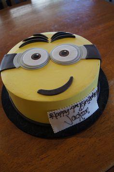 Despicable Me Minion face birthday cake
