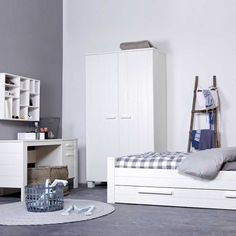 Ideal Schlafzimmerschrank Yawira in Wei aus Pinie Massivholz
