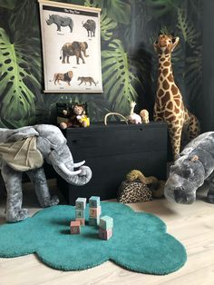 Jungle cream Great animals for a cool jungle room. Everything can be found in the shop Jungle cream Safari Nursery, Nursery Room, Nursery Decor, Elephant Nursery, Nursery Ideas, Diy Kids Room, Kids Bedroom, Boys Jungle Bedroom, Baby Bedroom