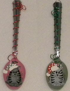Here are six more of the spoons I have painted and added wire on the handle. The two below are of a cute boy and girl Christmas kittens, on. Elf Christmas Decorations, Christmas Ornaments To Make, Xmas Crafts, Diy Crafts, Spoon Ornaments, Painted Ornaments, Painted Spoons, Hand Painted, Spoon Art