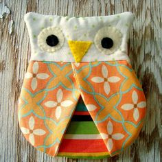 Owl Hotpad Pincher by PatchworkPosseShop on Etsy - Super cute and simple to sew