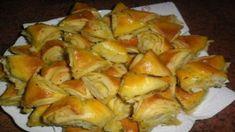 Cesnakové trojuholníčky podľa mojej babičky – robím ich vždy z dvojitej dávky, pretože zo stola zmiznú behom chvíle! | Báječná vareška Appetizers, Potatoes, Ale, Vegetables, Food, Basket, Appetizer, Potato, Veggies