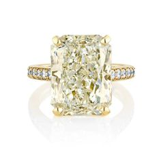 The 11.77ct radiant-cut white diamond on this Old Bond Street ring from De Beers' 1888 Master Diamonds collection is a W-colour VS2 stone. Discover the truth about colour graded yellow or white diamond engagement rings: http://www.thejewelleryeditor.com/bridal/surprising-alternative-yellow-diamonds/ #jewelry