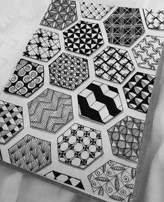 Easy Doodle Art, Doodle Art Designs, Doodle Art Drawing, Zentangle Drawings, Mandala Drawing, Zentangle Patterns, Zen Doodle Patterns, Watercolor Mandala, Doodle Borders