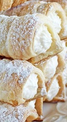 Mom's Cream Horns - this is a simple recipe to make even though it appears intimidating. These freeze perfectly so you'd need only defrost them when company arrives! ❊Made with Puff Pastry! Puff Pastry Desserts, Frozen Puff Pastry, Puff Pastry Recipes, Köstliche Desserts, Cookie Recipes, Snack Recipes, Puff Pastries, Choux Pastry, Shortcrust Pastry