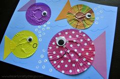 I HEART CRAFTY THINGS: Fish Kids Craft out of Cupcake Liners. Love the version with the sequin bubbles. :]