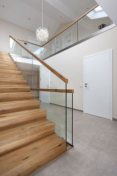 Modern Staircase Design Ideas - Search photos of modern stairs and also discover design and design ideas to influence your very own modern staircase remodel, including unique barriers and storage . Modern Staircase Railing, Interior Staircase, Staircase Remodel, Modern Stairs, Wood Stairs, Staircase Design, Spiral Staircases, Interior Architecture, Entry Stairs
