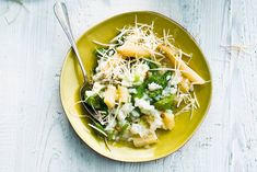 In deze risotto zitten witte n groene asperges. Echt Italiaans en echt voorjaar - Recept - Allerhande