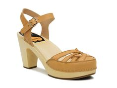 Agneta - Swedish Hasbeens in Natural Size 38