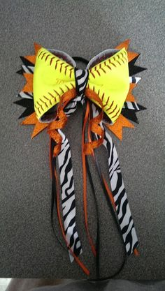 foto de Softball hair bow sooo easy to make Hair bows