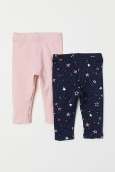 Leggings in soft cotton jersey with an elasticized waistband. Little Girl Outfits, Cute Girl Outfits, Kids Outfits, Baby Girl Pants, Baby Girl Shoes, Kids Bedroom Furniture Design, Night Suit, Cute Baby Clothes, Babies Clothes