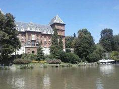 castello del Valentino a Torino, Piemonte, Italia. 45°04′00″N 7°42′00″E