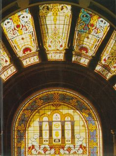 1986: The intricate stained glass windows took 2 years to restore. #QVB #Sydney