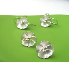 Rosa Primula Flowers Earrings by ZeldaWong on Etsy