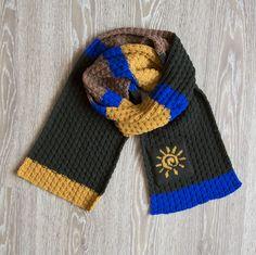Марина заказала на подарок любимому человеку такой разноцветный шарфик с символом солнца. Только они вдвоем знают, что это может значить для них☀  #frautag_knittingfamily#шарф #солнце #солнышко #знак #шарф #вязаныйшарф #шарфназаказ #вязаниеназаказ #вязание #knitting #handknitting #scarf #sun #вяжутнетолькобабушки #alize #cashmira #шерсть #wool