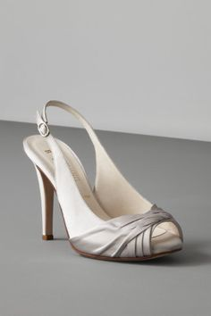 Silver shoes for the bridesmaids!