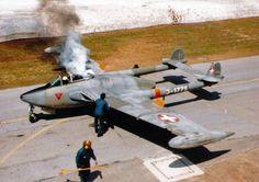 Swiss De Havilland Vampire engine start-up De Havilland Vampire, Military Jets, Military Aircraft, Air Fighter, Fighter Jets, Fun Fly, Swiss Air, Old Planes, Navy Aircraft