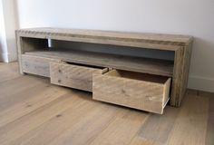 Do you already have ideas for your weekend project? How about replacing your old TV stand with a new one? You can make these DIY TV stand by yourself! Recycled Furniture, Pallet Furniture, Old Tv Stands, Diy Tv Stand, Audio Room, Diy Entertainment Center, Tv Cabinets, Home And Living, Diy Home Decor