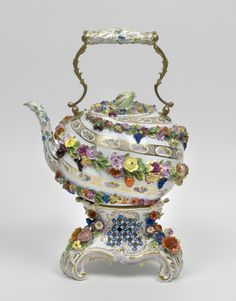 Large Teapot with Heater, porcelain, Meissen, 1st half 19th Century,