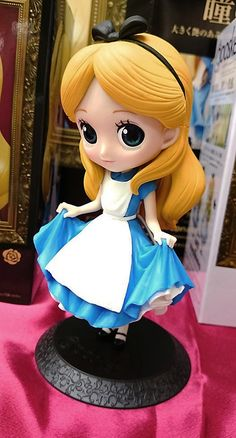 Qposket - Alice in Wonderland - Disney Characters - Normal Color - Ichigo-Toys Disney Princess Doll Collection, Disney Princess Dolls, Disney Dolls, Polymer Clay Disney, Cute Polymer Clay, Girl Cartoon Characters, Disney Characters, Character Wallpaper, Disney And More
