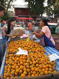 Bartering in the Thai markets