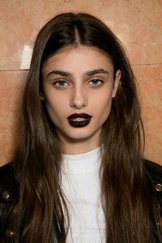 Goth Makeup Is Back For Fall—Heres How to Make It Look Modern