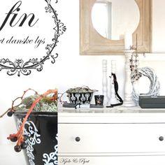 Schwarz & weiß : Deko im Spätherbst * Black & white: deco in late autumn Late Autumn, Black And White, Mirror, Furniture, Home Decor, Lily, Monochrome, Dekoration, Blanco Y Negro