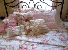 Lace bedding for a touch of Romance ♥