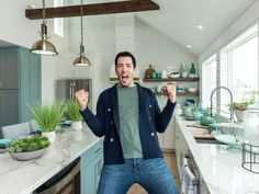 Tour the two-story Galveston beach house Drew completely transformed to earn him a long-awaited victory on Brother vs. Galveston Texas Beach, Beach House Kitchens, Coastal Kitchens, Hot Tub Room, Renovation Budget, Beach House Decor, Home Decor, Drew Scott, Basement Makeover