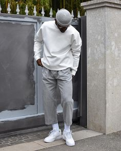 Men fashion black and white look Moda Streetwear, Streetwear Fashion, Men Looks, Men Street, Street Wear, Mode Outfits, Fashion Outfits, Overalls Fashion, Stylish Outfits