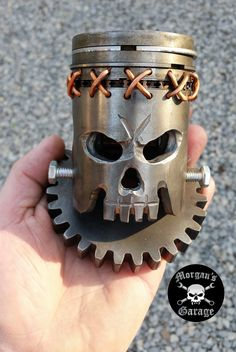 Skull Piston I Call Quot Frankie Quot Handmade At Morgan S Garage Projects Welding Crafts, Welding Projects, Metal Welding, Welding Art, Metal Art Projects, Metal Crafts, Sculpture Metal, Steel Art, Horseshoe Art