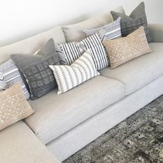 Home Furniture, Lamp Shades, Kitchen Islands, Daybeds, Chandeliers Living Room Pillows, Living Room Grey, Cozy Living, Couch Pillows, Living Room Decor, Couch Pillow Arrangement, Patio Pillows, Throw Pillows, Living Spaces