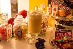 Harry Potter´s Butterbier Harry Potter's butterbeer, a very nice recipe from the punch category. Summer Drink Recipes, Easy Drink Recipes, Beer Recipes, Yummy Drinks, Harry Potter Food, Harry Potter Halloween, Alcoholic Punch Recipes, Non Alcoholic Drinks, Halloween Drinks