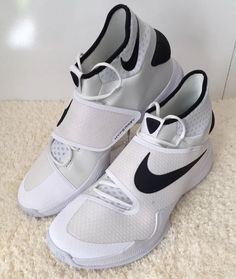 size 17 shoes nike