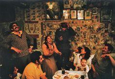 Bruno Barbey, Photo Poche, Nathan, 1999. Introduction de Annick Cojean. Gitans, Debno, Pologne, 1981.
