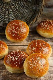 ...konyhán innen - kerten túl...: Hamburgerzsemle Mini Hamburgers, Bread Dough Recipe, Winter Food, Baked Goods, Grilling, Food And Drink, Snacks, Baking, Dishes