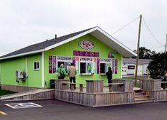 PEI and Ice Cream - a great combination! - Red Sand in my Shoes Famous Ice Cream, Italian Cream Soda, Ice Cream Brands, Maple Cream, Strawberry Sauce, Ice Cream Parlor, Soda Fountain, Prince Edward Island, Banana Split