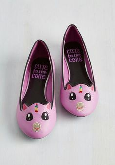 Creature Presentation Flat in Pink Unicorn. And now for the worlds cutest flats on which to feast your eyes! Women's Shoes, Me Too Shoes, Flat Shoes, Cute Flats, Cute Shoes, Gyaru, Ballerina Shoes, Ballet Shoes, Unicorn Wedding